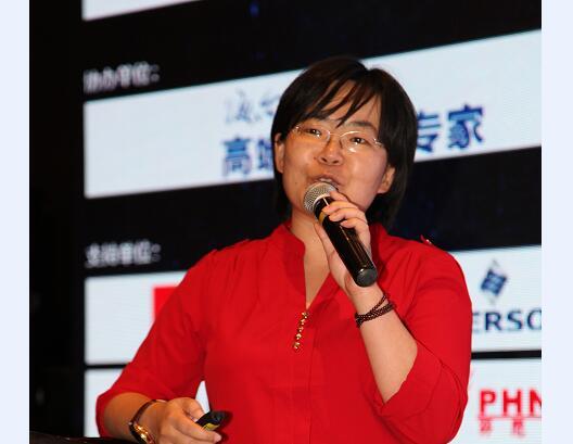中国低碳建筑研究中心主任邓高峰